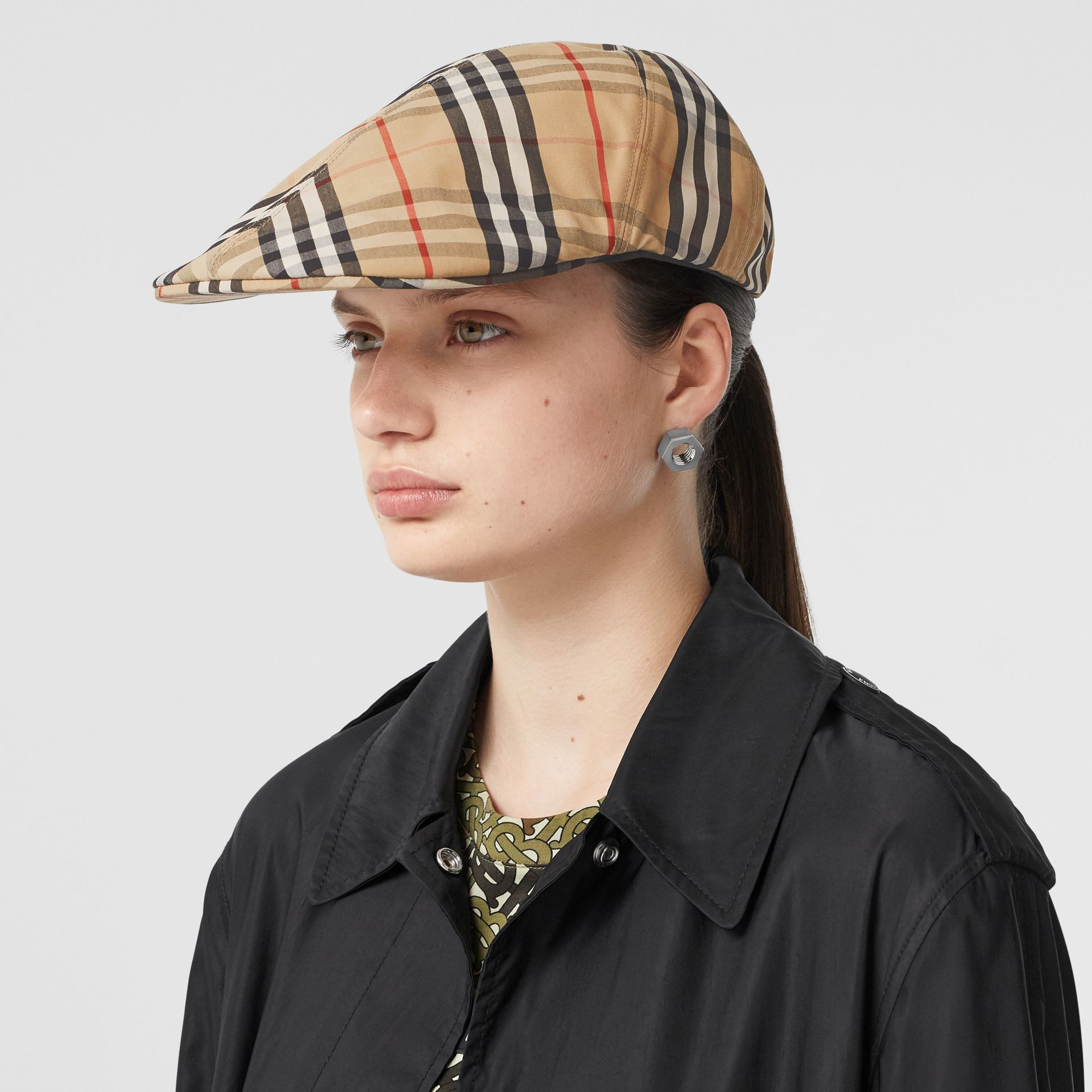 Vintage Check Cotton Flat Cap in Archive Beige | Burberry - gallery image 2