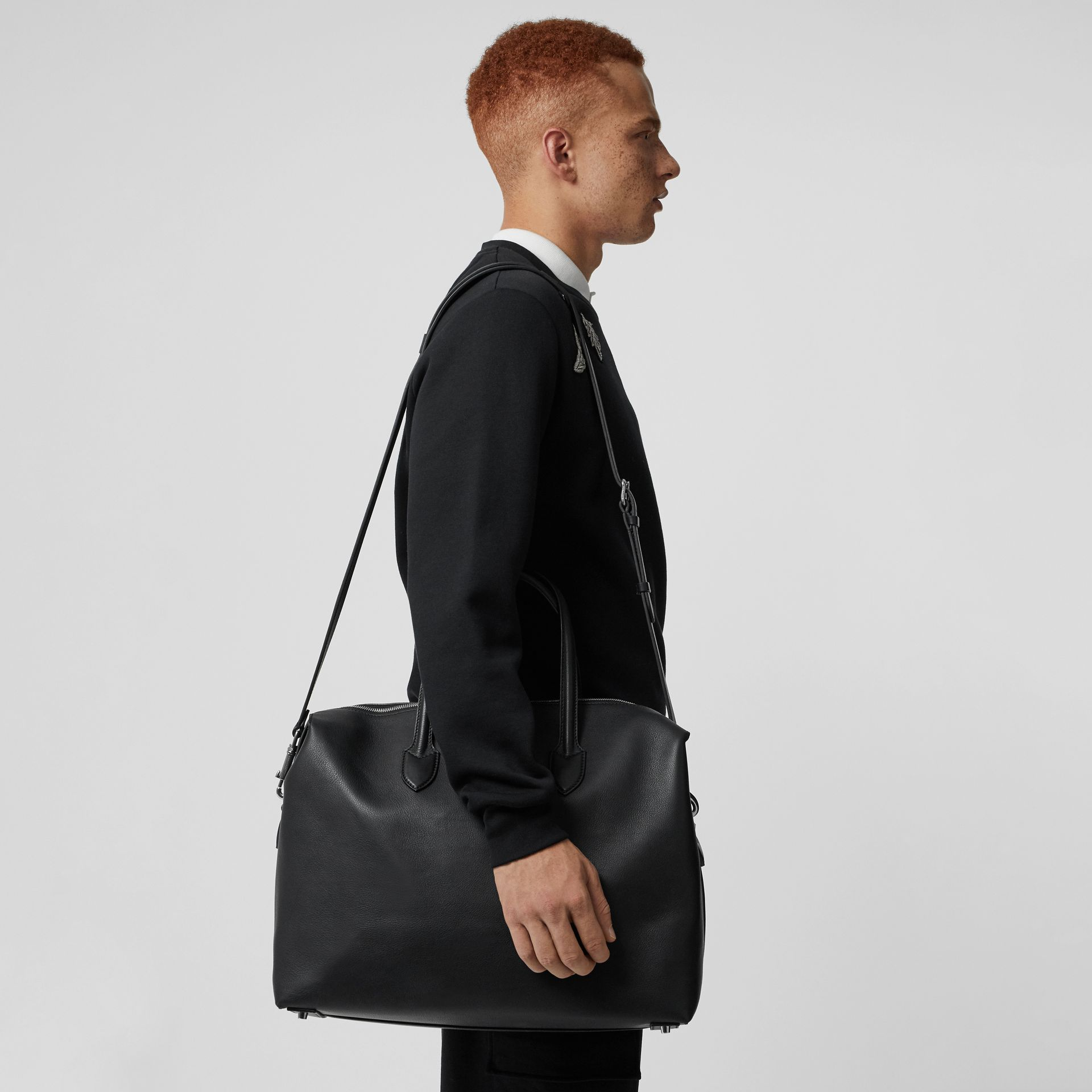 Soft Leather Holdall in Black - Men | Burberry - gallery image 3