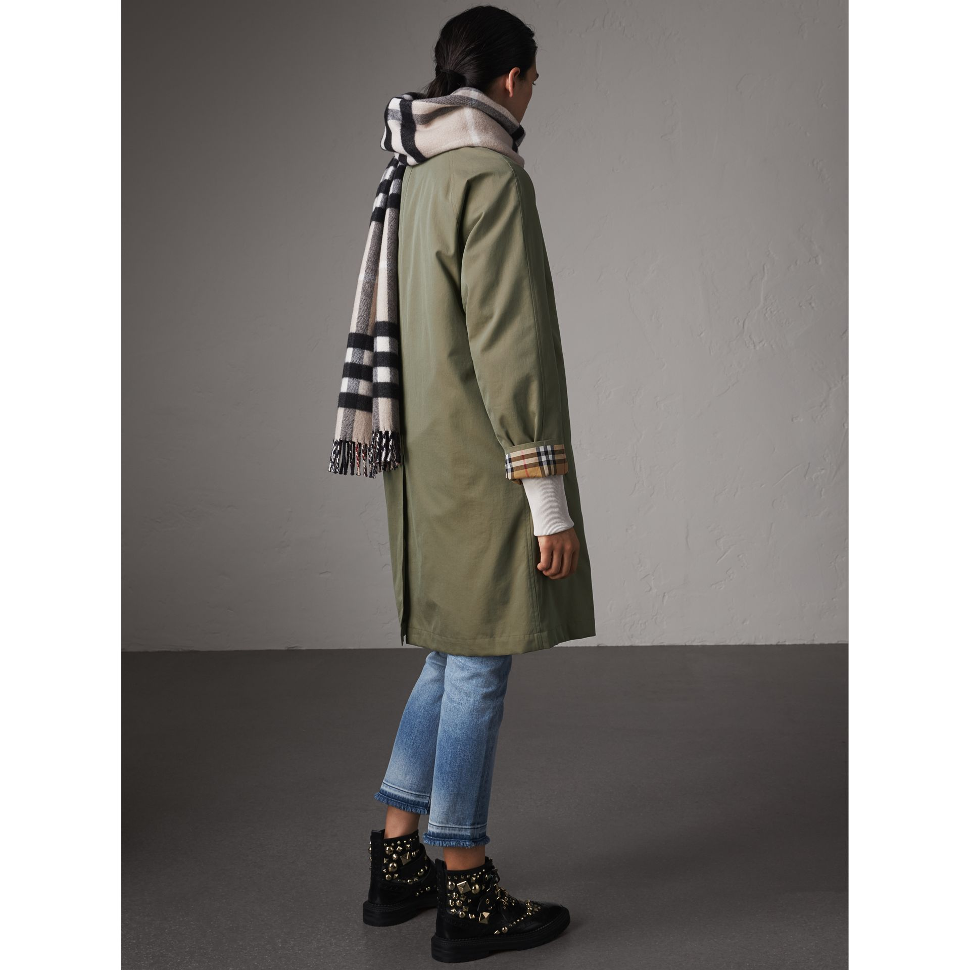 The Camden – Long Car Coat in Chalk Green - Women | Burberry Singapore - gallery image 3