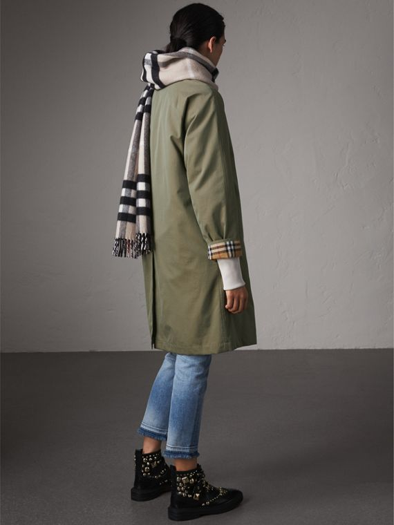 The Camden – Long Car Coat in Chalk Green - Women | Burberry Singapore - cell image 2