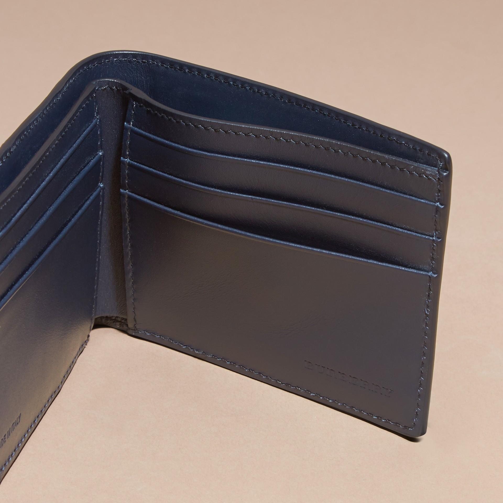 Navy scuro Portafoglio a libro in pelle London a blocchi di colore Navy Scuro - immagine della galleria 5