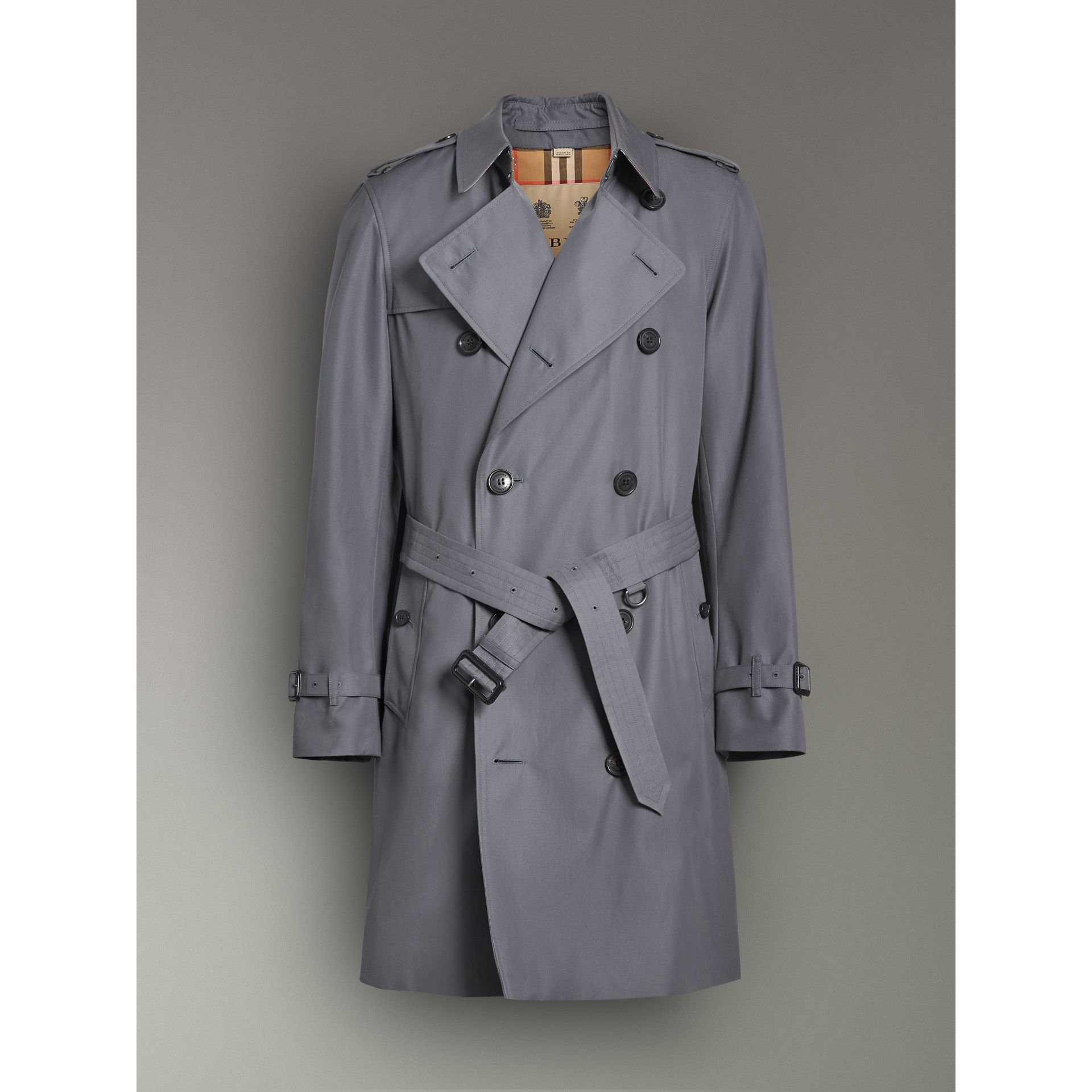 The Chelsea Heritage Trench Coat in Mid Grey - Men | Burberry United Kingdom - gallery image 3