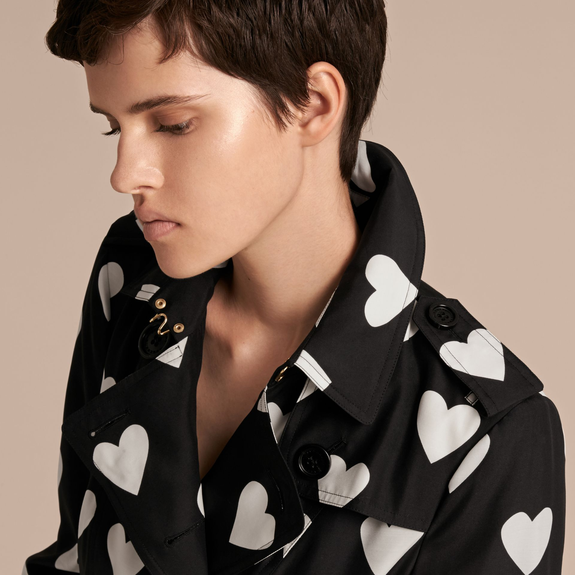 Black / white Lightweight Heart Print Silk Wool Trench Coat - gallery image 5