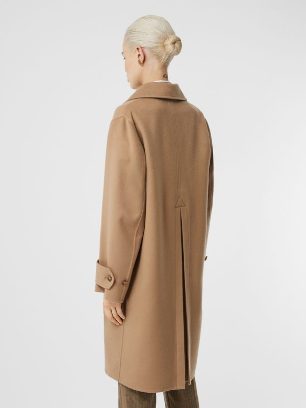 Double-faced Cashmere Oversized Coat in Light Camel - Women | Burberry United Kingdom - cell image 2