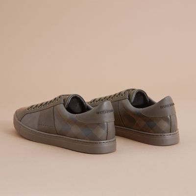 BURBERRY Ritson Pvc Check & Leather Low-Top Sneaker, Brown in Peppercorn