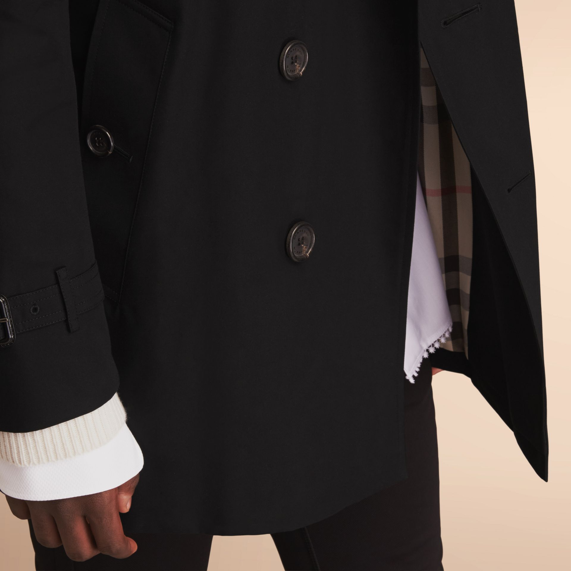 The Kensington – Mid-Length Heritage Trench Coat in Black - Men | Burberry - gallery image 5