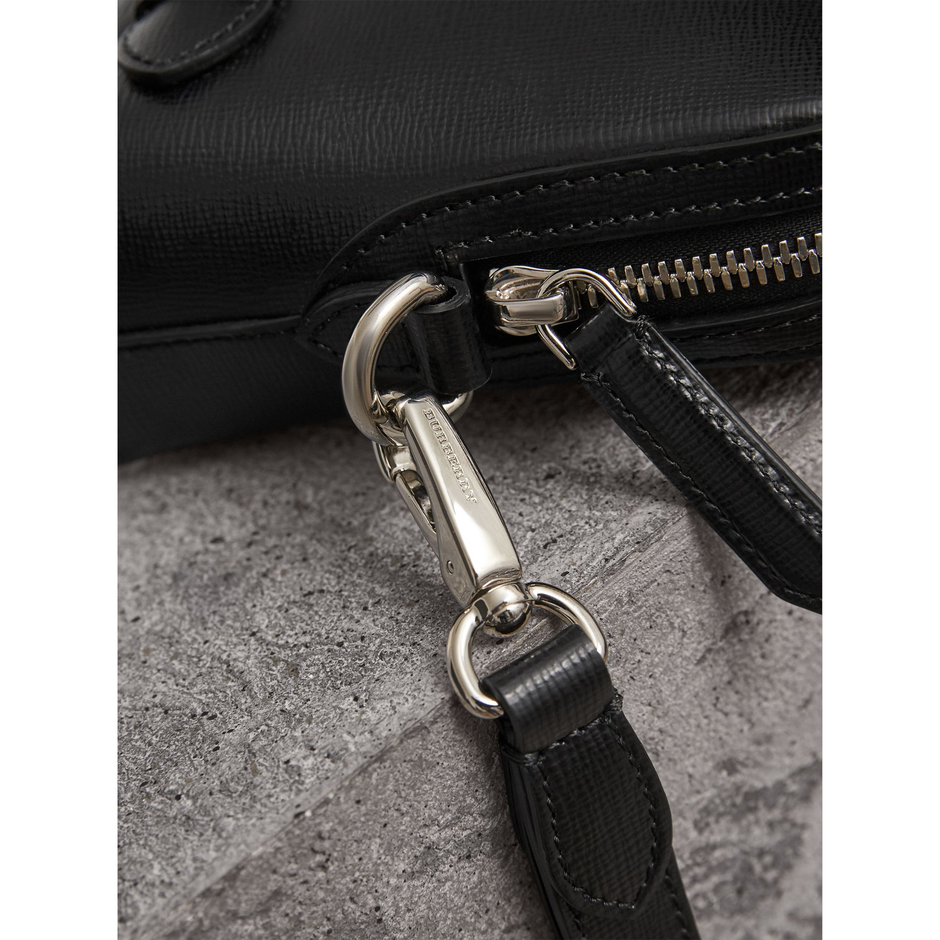 London Leather Pouch in Black | Burberry - gallery image 1