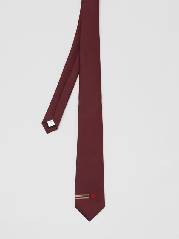 Corbata de pala clásica en seda con detalle a rayas Icon Stripe y monograma (Granate) - Hombre | Burberry - cell image 3