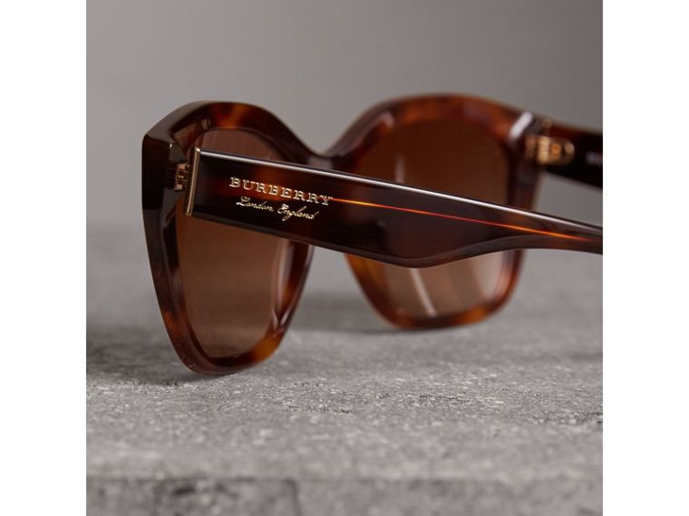 Square Frame Sunglasses in Light Brown - Women | Burberry United States - cell image 1