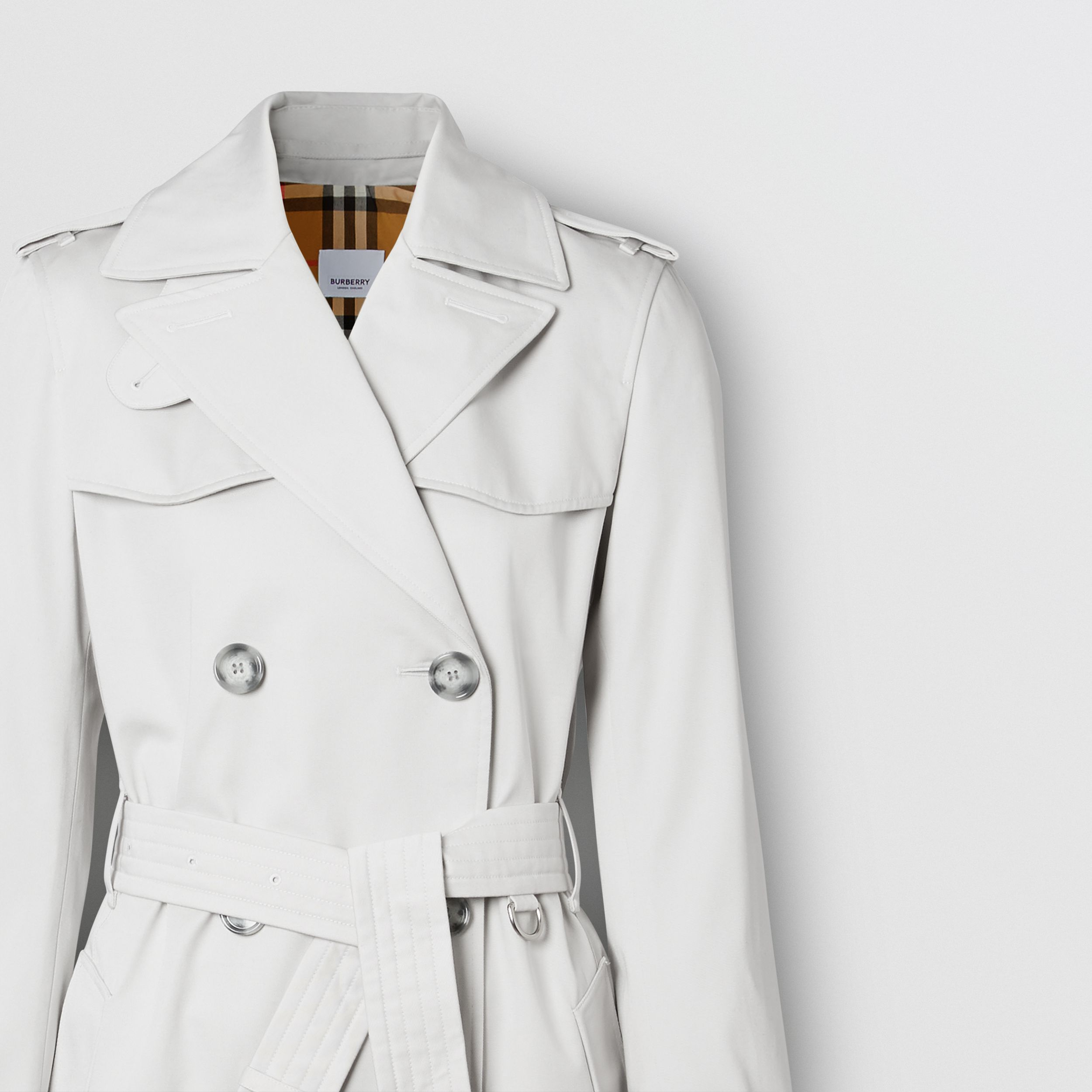 The Short Islington Trench Coat in Light Pebble Grey - Women | Burberry Canada - 3