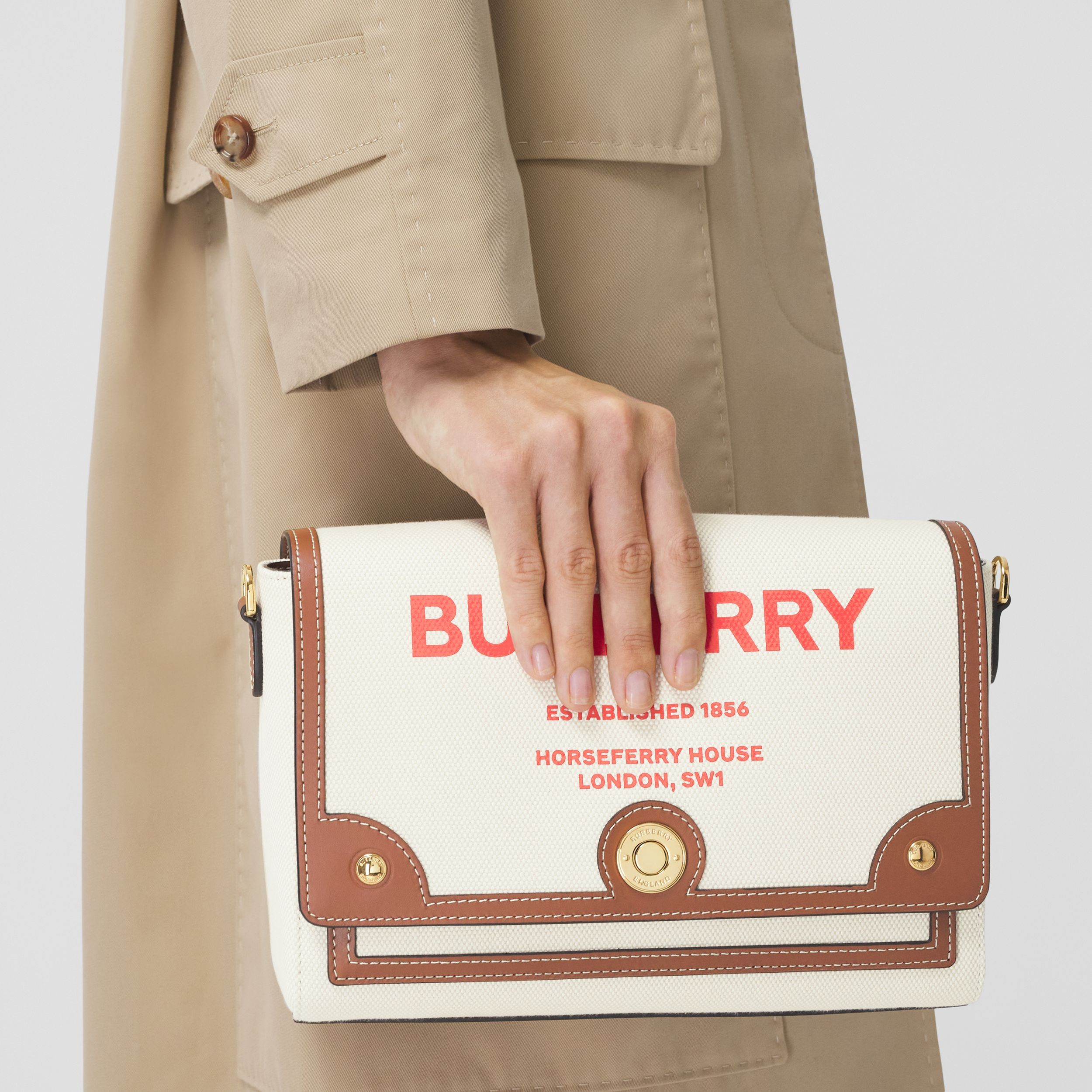 "Crossbody-Tasche ""Note"" aus Canvas mit Horseferry-Aufdruck (Naturfarben/hellbraun) - Damen 