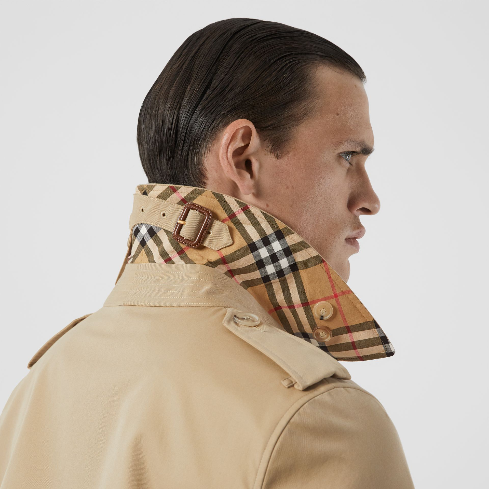 Trench Heritage The Kensington (Miel) - Homme | Burberry - photo de la galerie 5
