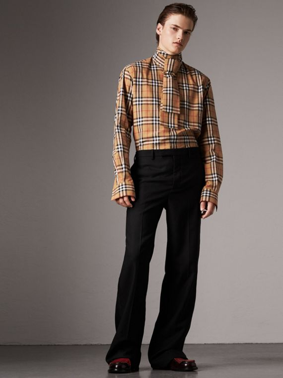 Camisa de algodão com gola laço em Vintage Check (Amarelo Antigo)