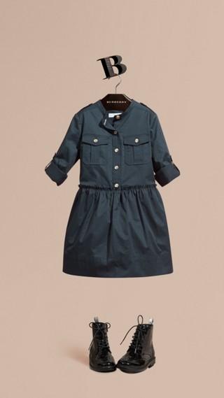 Robe chemise de style militaire en coton stretch