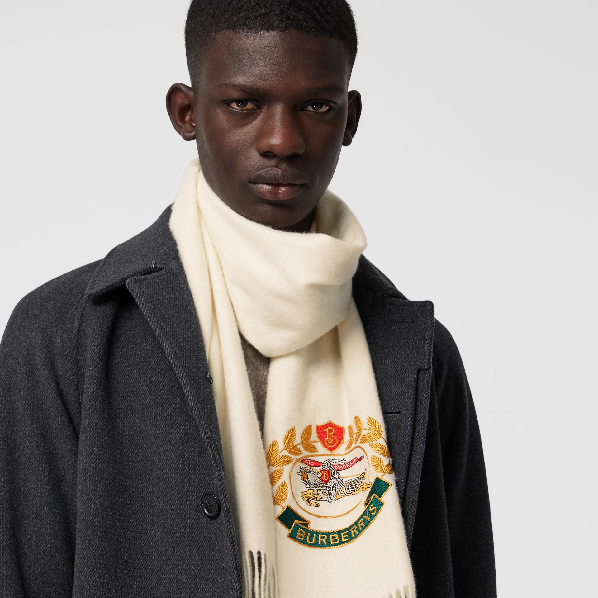 The Classic Cashmere Scarf with Archive Logo in White | Burberry Australia - gallery image 6