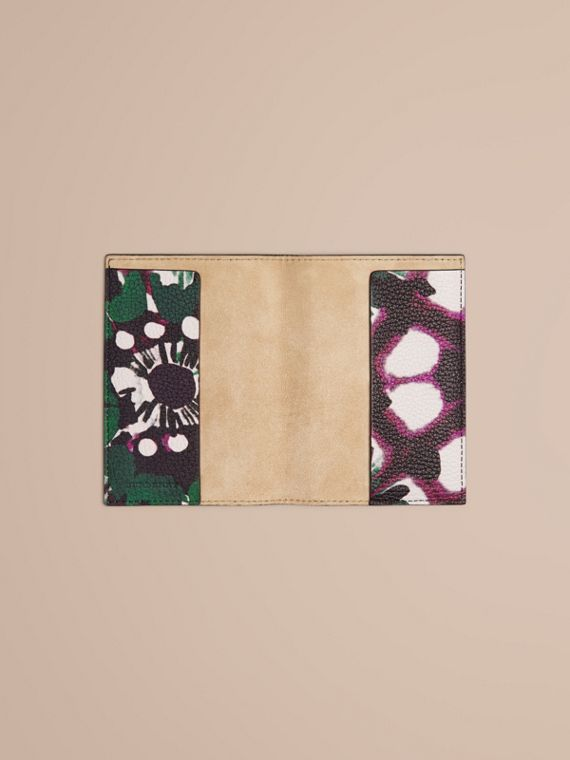 Deep claret Tie-dye Print Grainy Leather Passport Cover - cell image 3