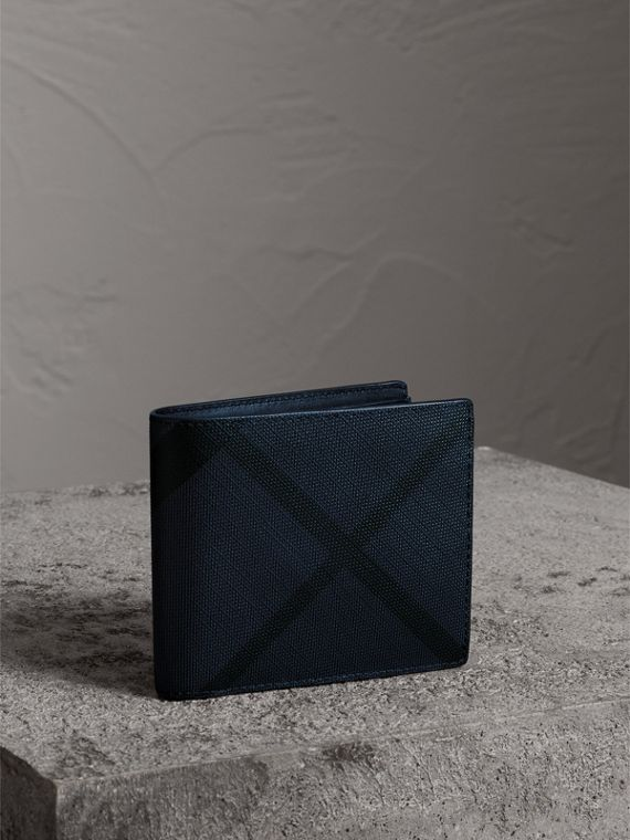London Check International Bifold Wallet in Navy/black