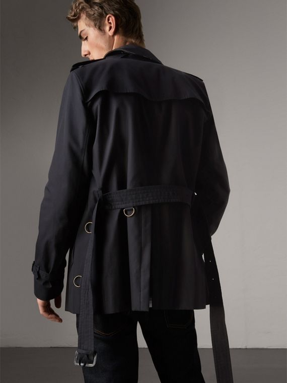 The Kensington – Short Heritage Trench Coat in Navy - Men | Burberry Singapore - cell image 2