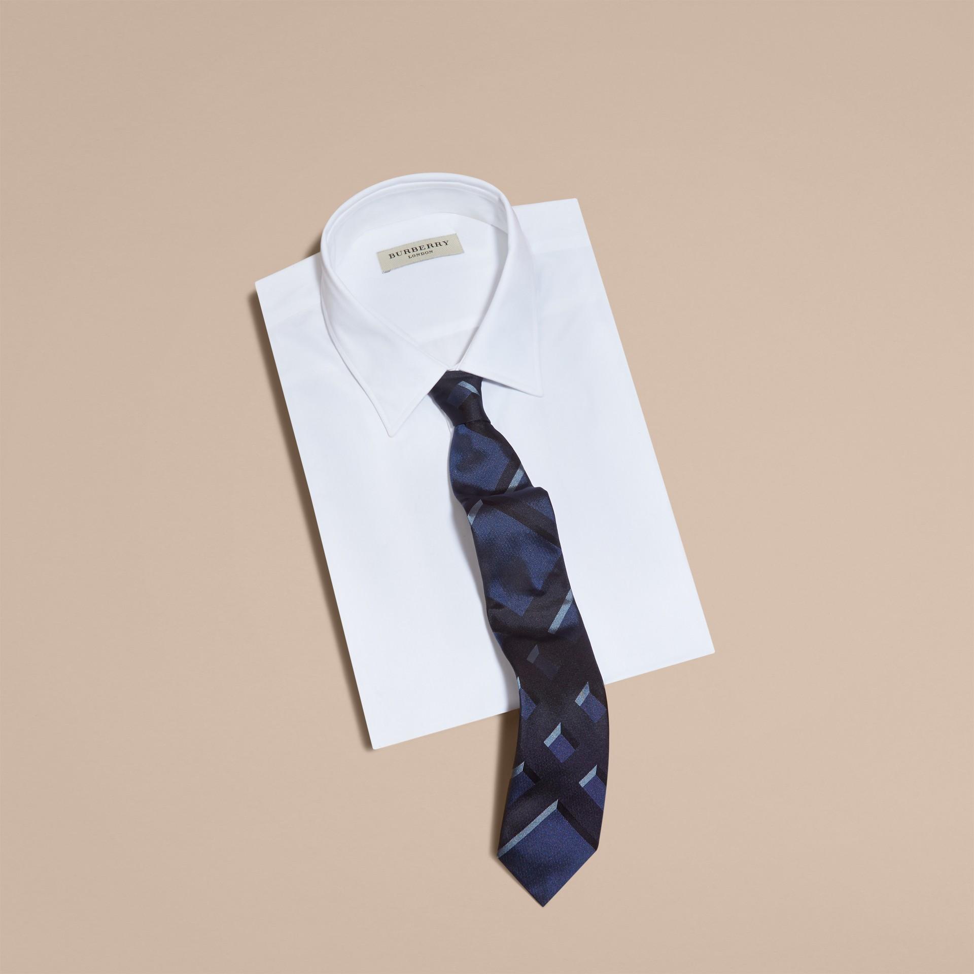 Bleu hortensia Cravate moderne en jacquard de soie à motif check Bleu Hortensia - photo de la galerie 3