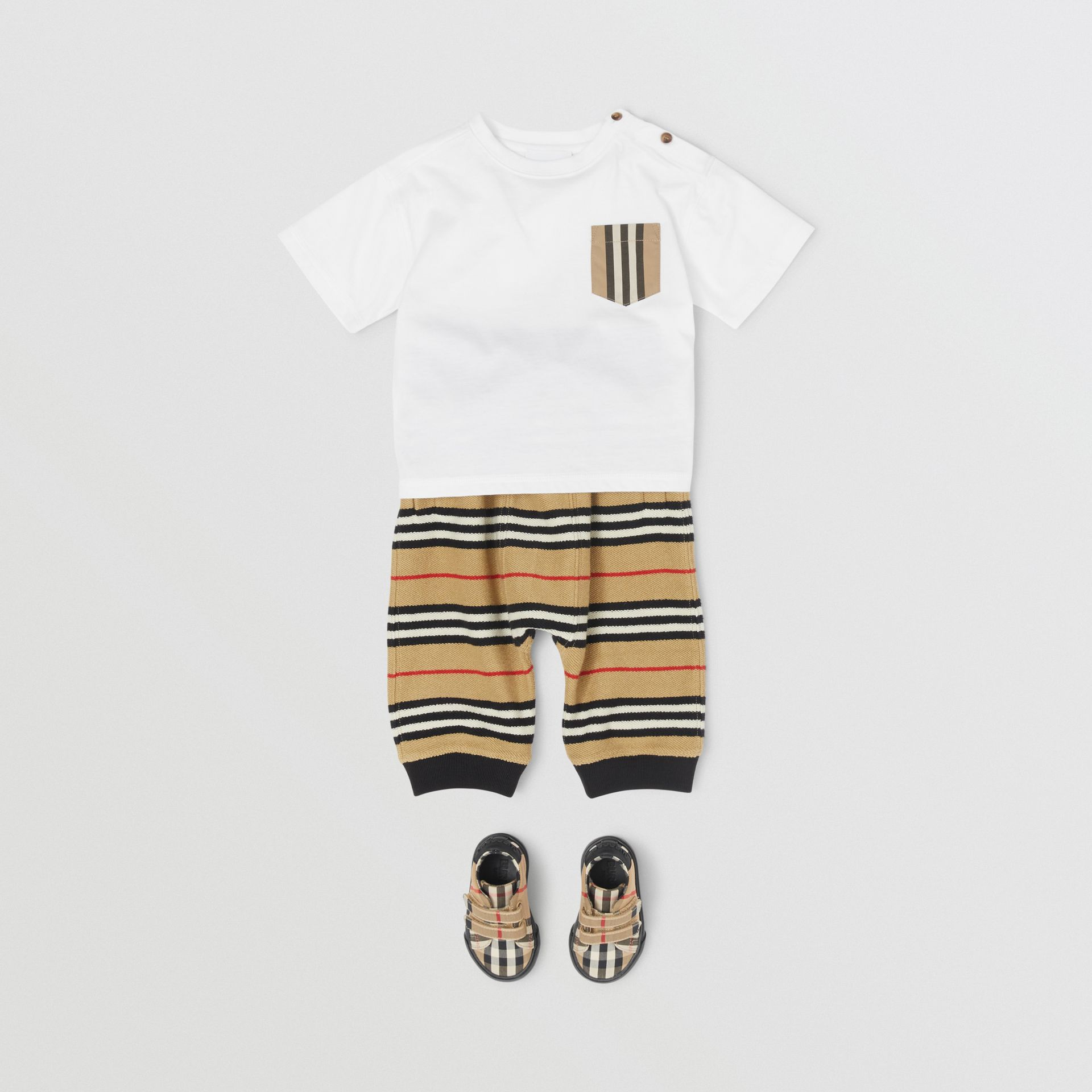 Icon Stripe Pocket Cotton T-shirt in White/archive Beige - Children | Burberry - gallery image 2