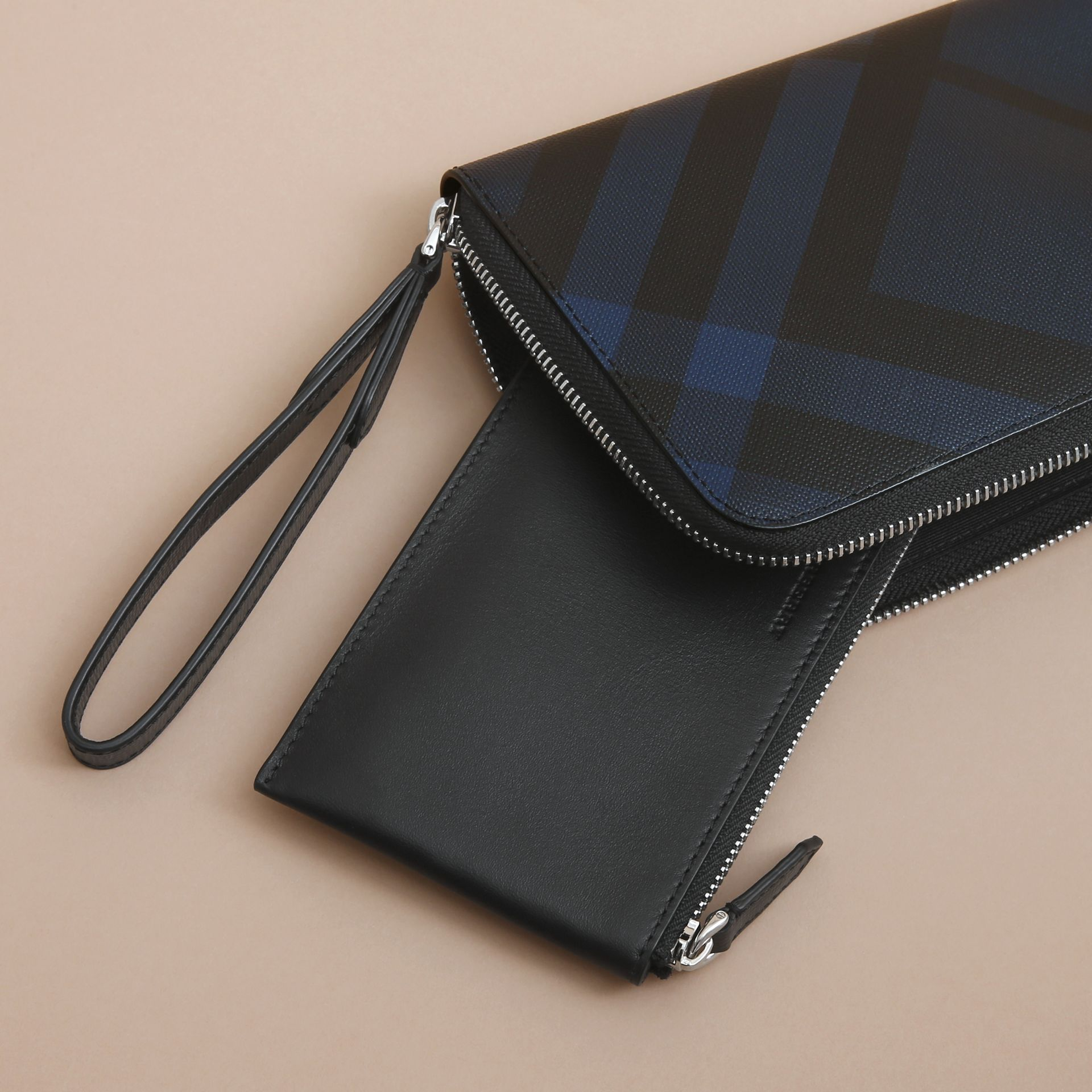 London Check Travel Wallet in Navy/black - gallery image 5