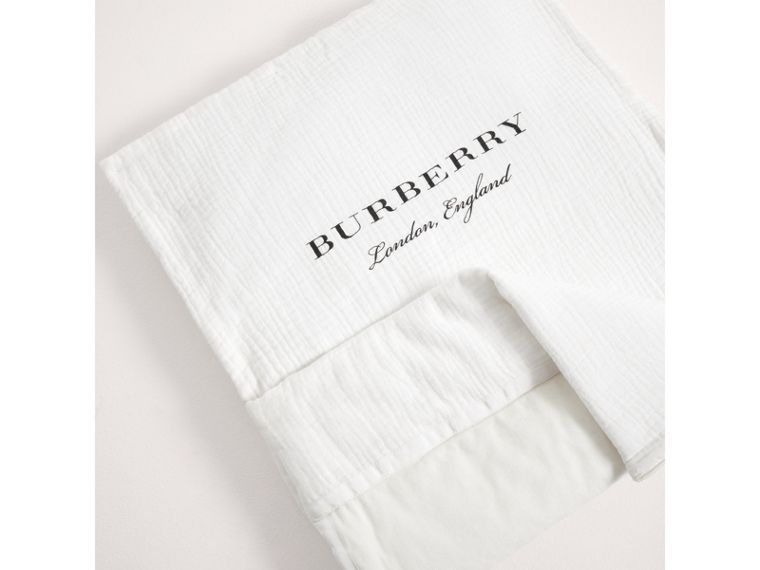 Quilted Cotton Baby Nest in Off White | Burberry - cell image 2