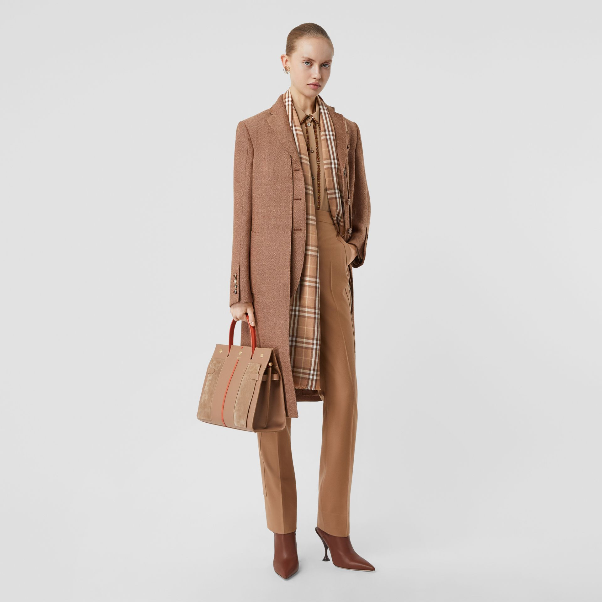 Vintage Check Lightweight Cashmere Scarf in Mid Camel | Burberry United Kingdom - gallery image 6