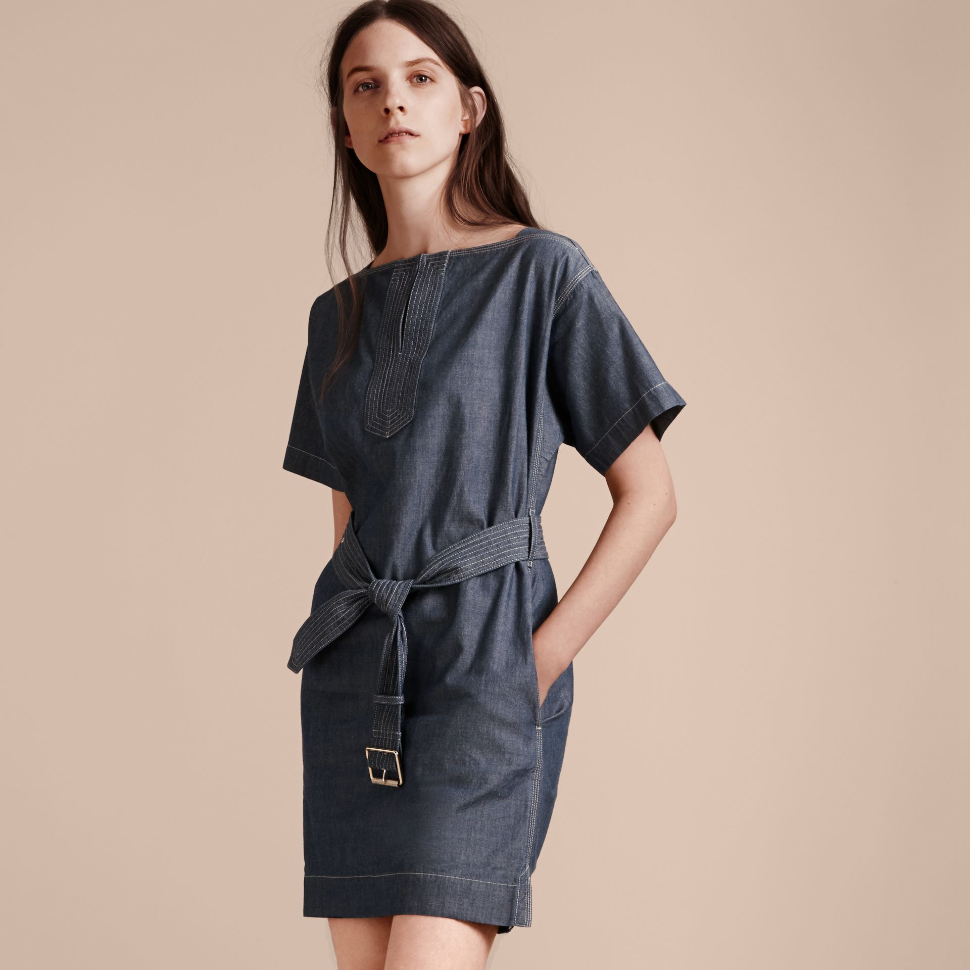 Light indigo blue Short-sleeved Chambray Cotton Dress with Belt - gallery image 6