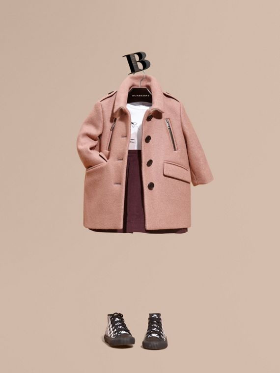 Körperbetonter Mantel aus Wolle