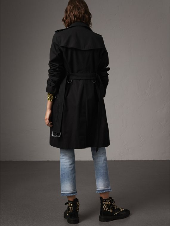 The Kensington – Long Heritage Trench Coat in Black - Women | Burberry - cell image 2