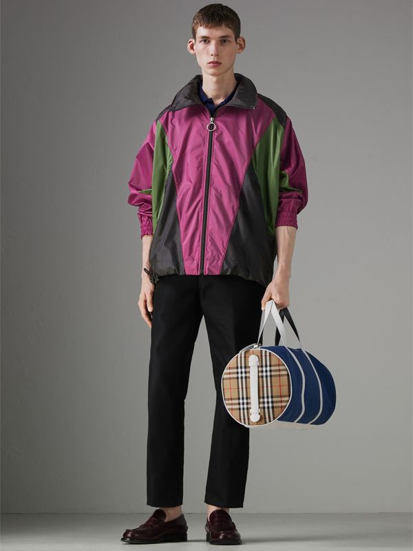 Medium Colour Block Vintage Check Barrel Bag in Dark Canvas Blue - Men | Burberry Singapore - cell image 2