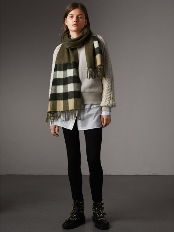 Reversible Check and Melange Cashmere Scarf in Camel | Burberry - cell image 2