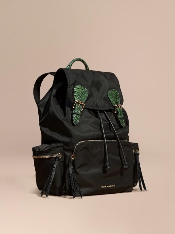 Zaino The Rucksack grande in nylon tecnico e pelle di serpente Nero/verde Brillante