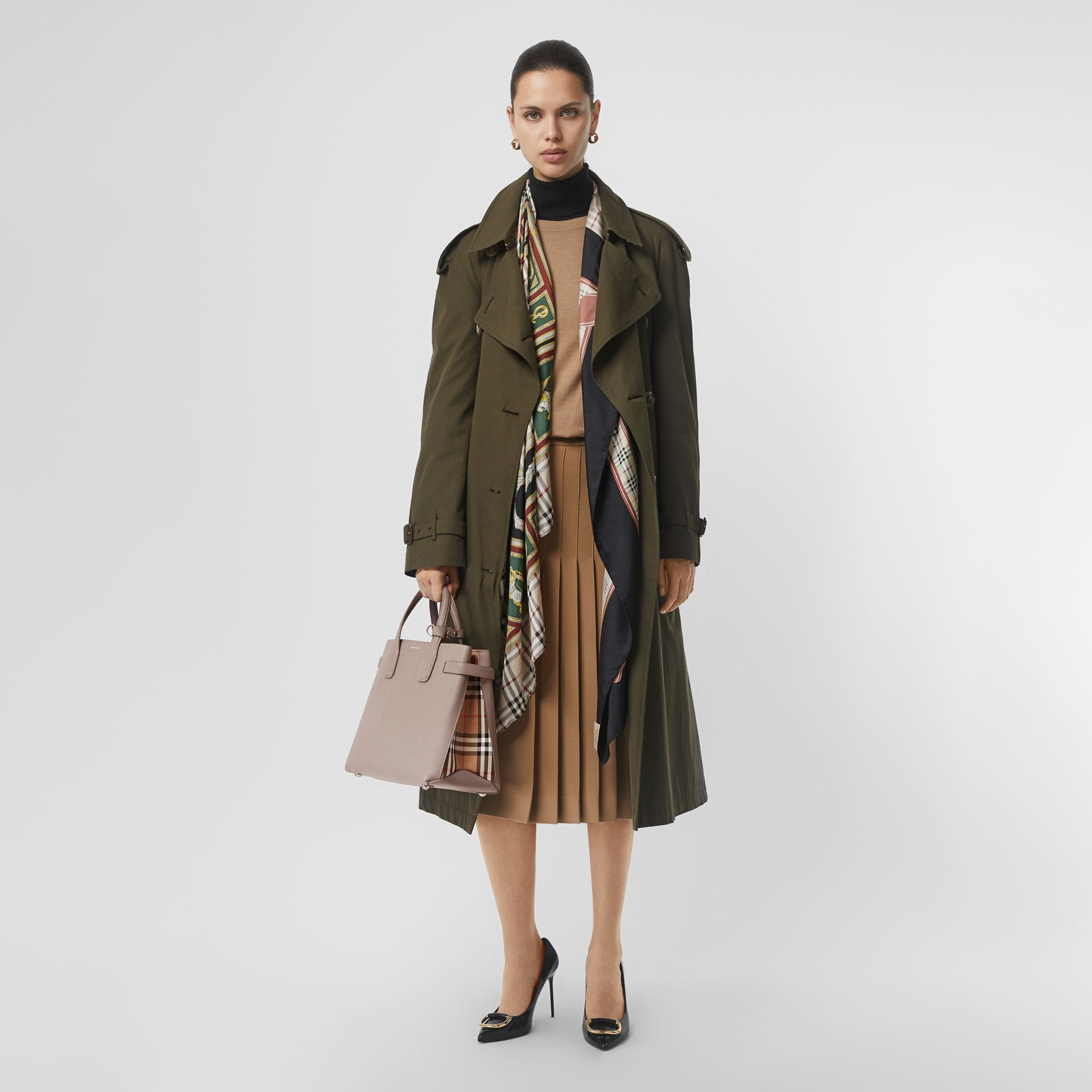 The Medium Banner in Leather and Vintage Check in Taupe Brown - Women | Burberry United Kingdom - gallery image 2