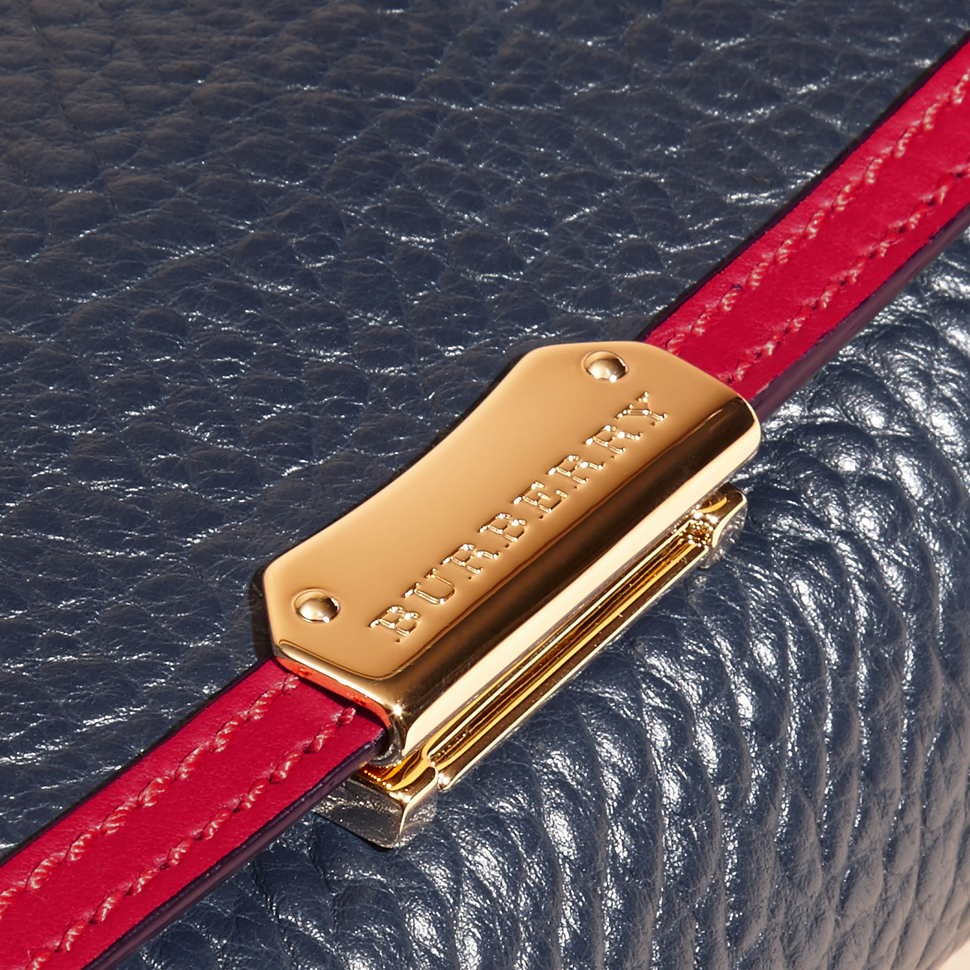Blue carbon/parade red Medium Contrast Border Signature Grain Leather Clutch Bag - gallery image 2