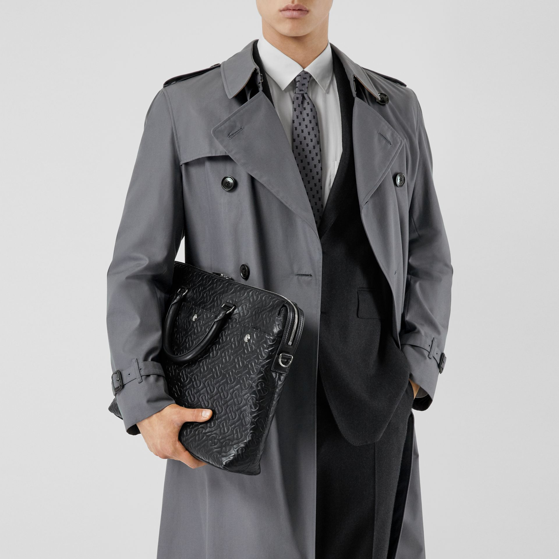 The Long Chelsea Heritage Trench Coat in Mid Grey - Men | Burberry Australia - gallery image 9