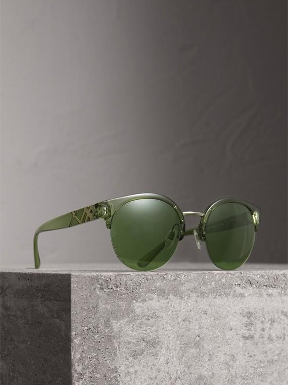 Gafas de sol redondas con medio armazón y detalles a cuadros (Verde Ahumado)