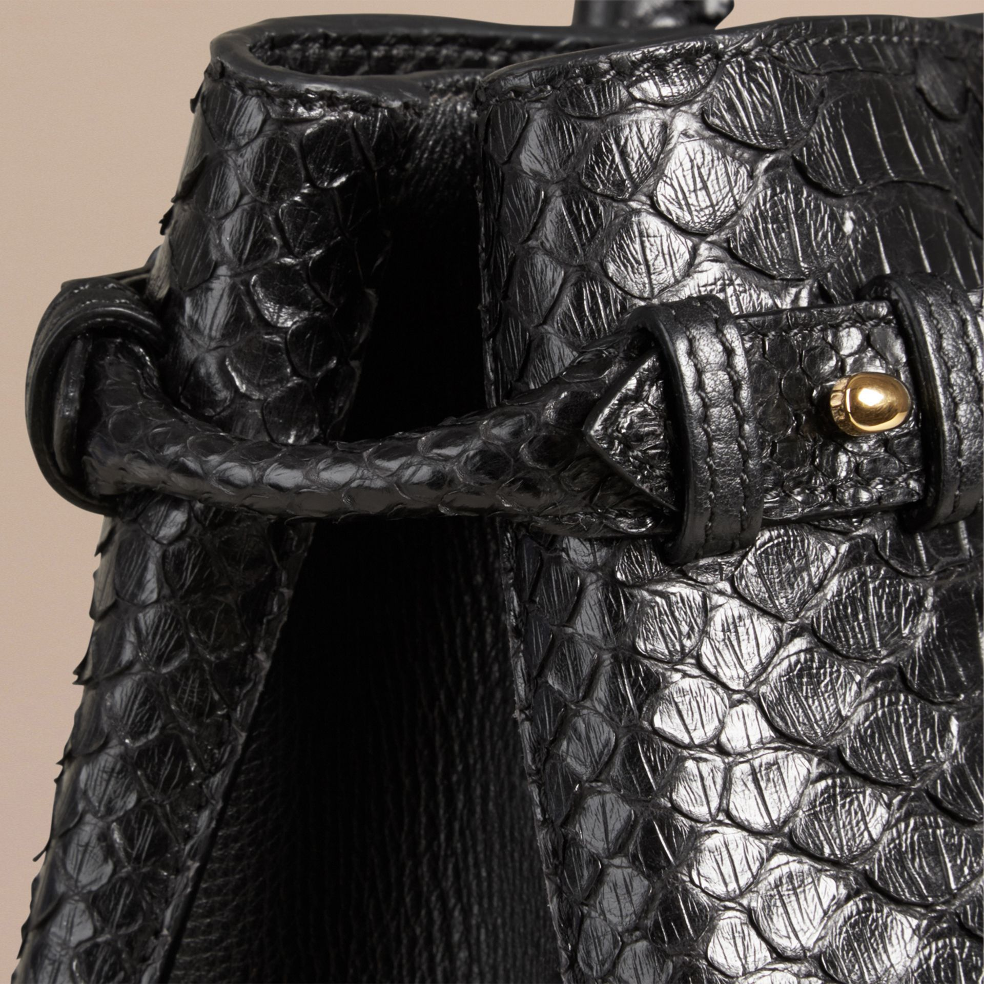 Sac The Banner medium en python (Noir) - Femme | Burberry - photo de la galerie 5