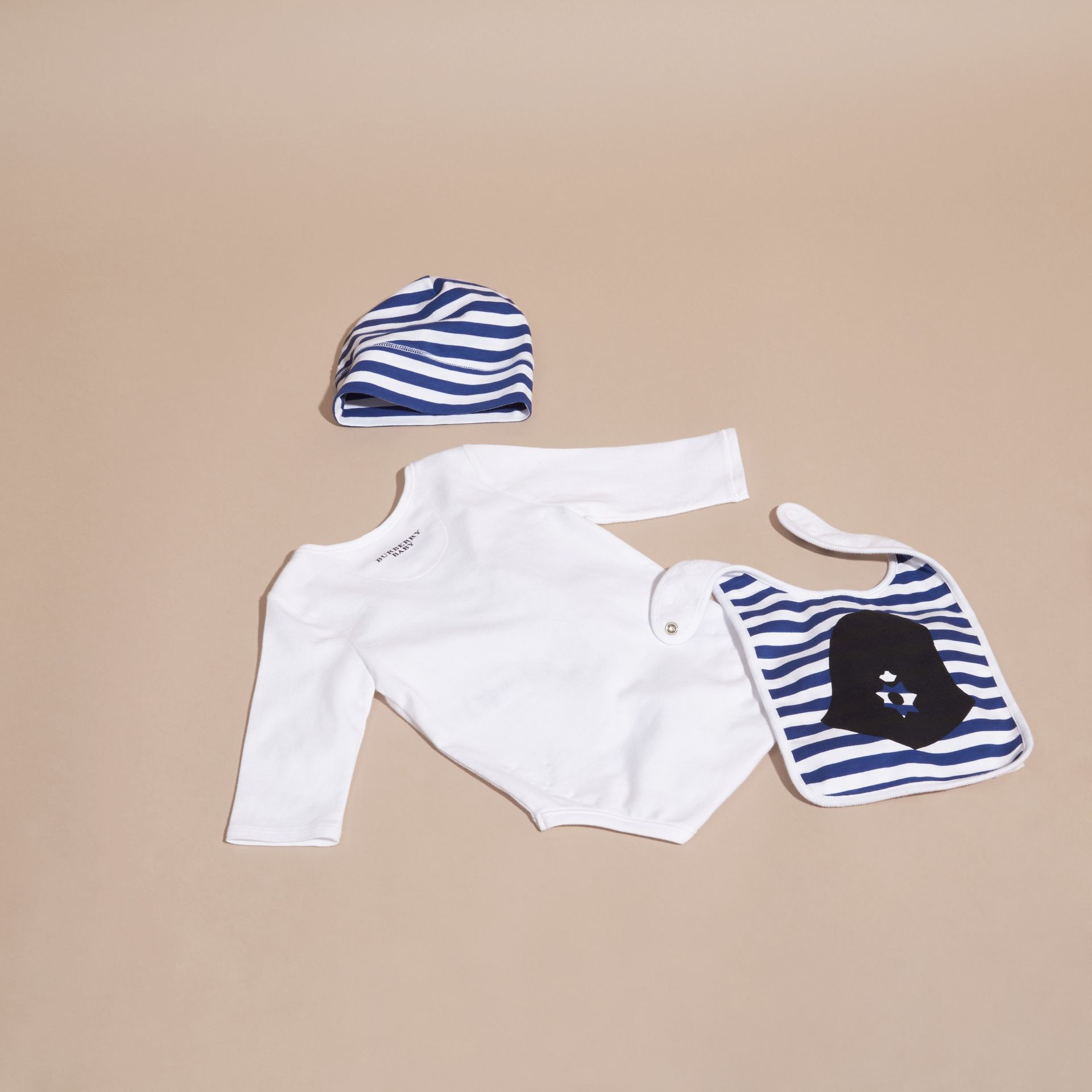 White Cotton Three-piece Gift Set - gallery image 3