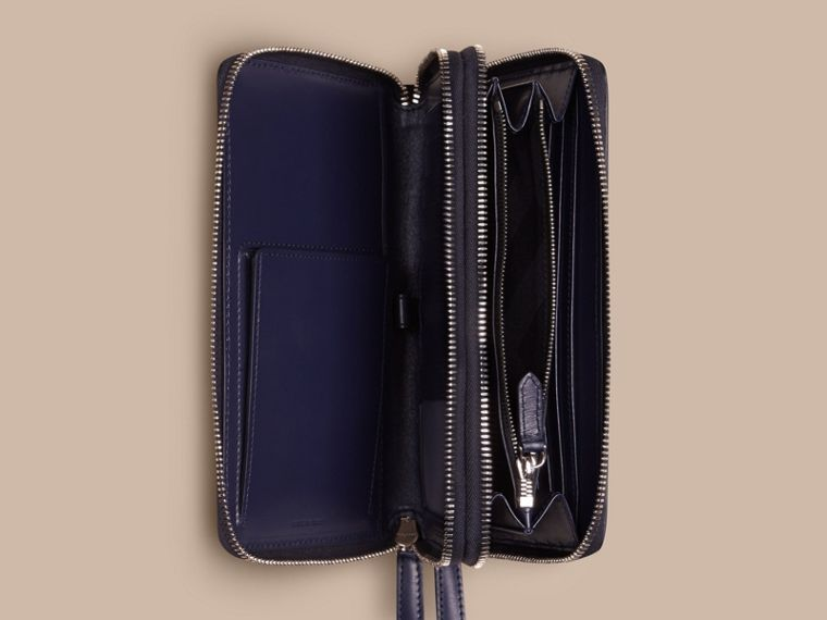 London Leather Travel Wallet Dark Navy - cell image 4