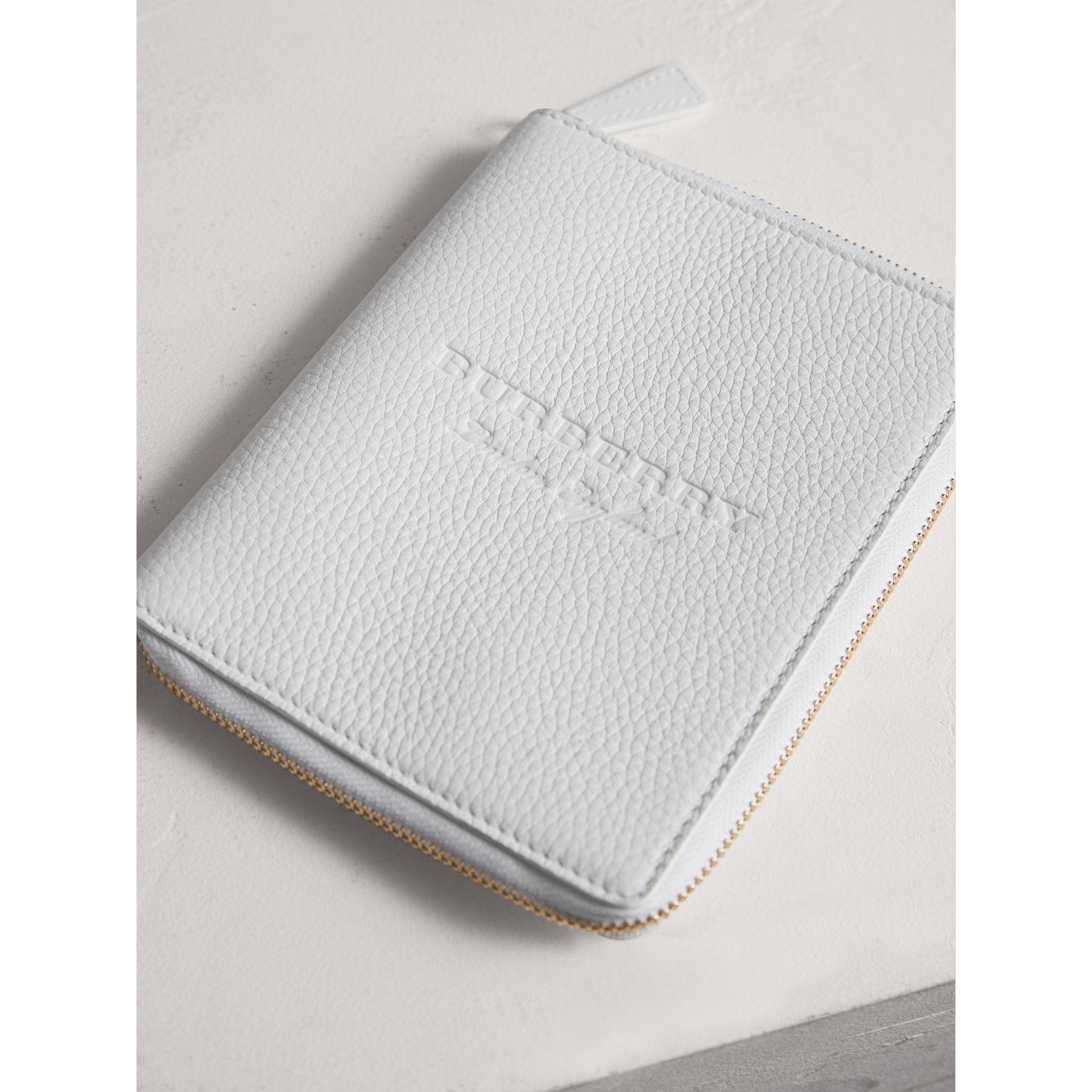 Embossed Grainy Leather Ziparound A6 Notebook Case in Chalk White | Burberry - gallery image 2