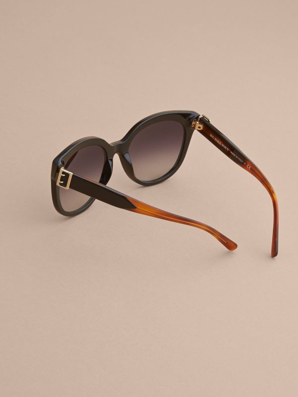 Buckle Detail Cat-eye Frame Sunglasses in Black - Women | Burberry United Kingdom - cell image 3