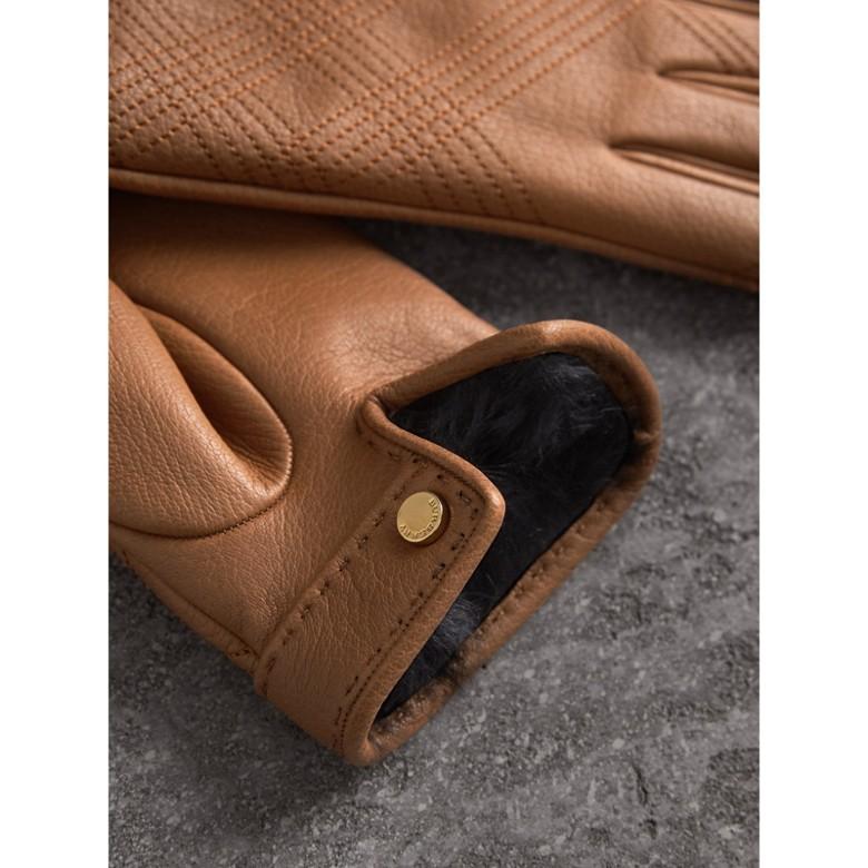 Burberry - Gant en cuir d'agneau avec broderies à motif check - 3
