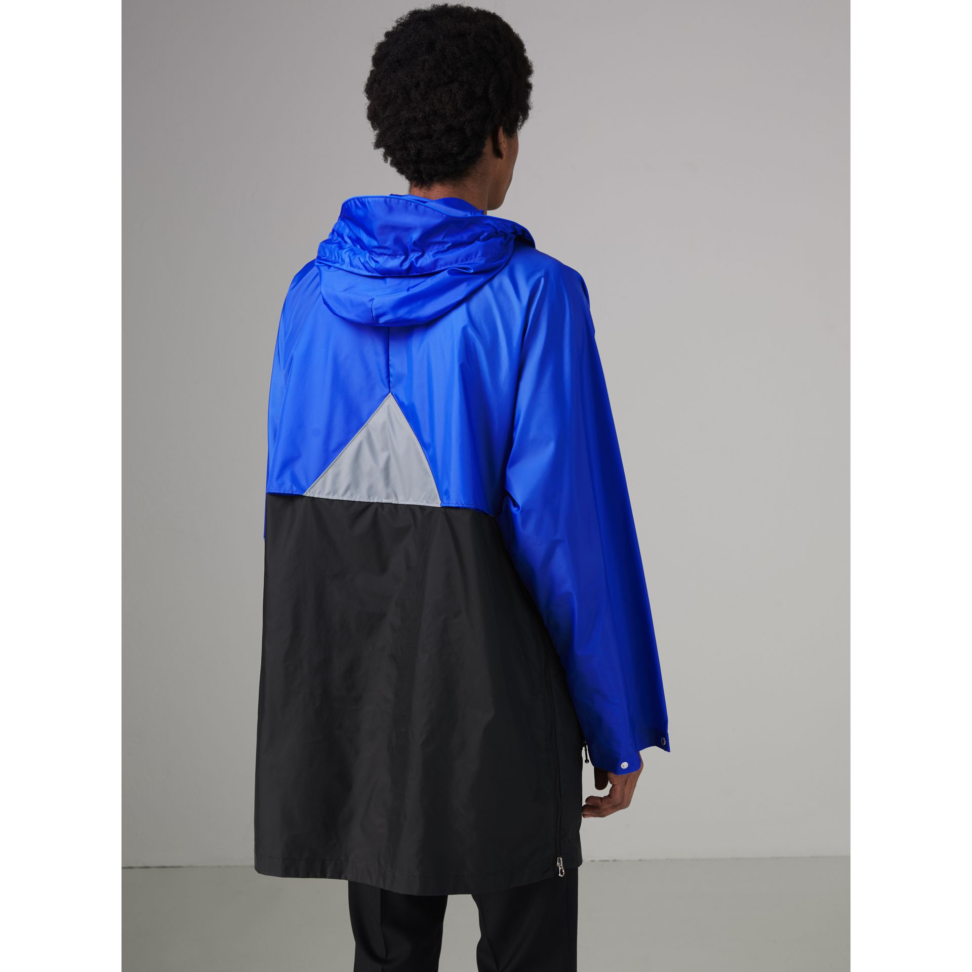 Colour Block Lightweight Half-zip Parka in Sapphire Blue - Men | Burberry United States - gallery image 2