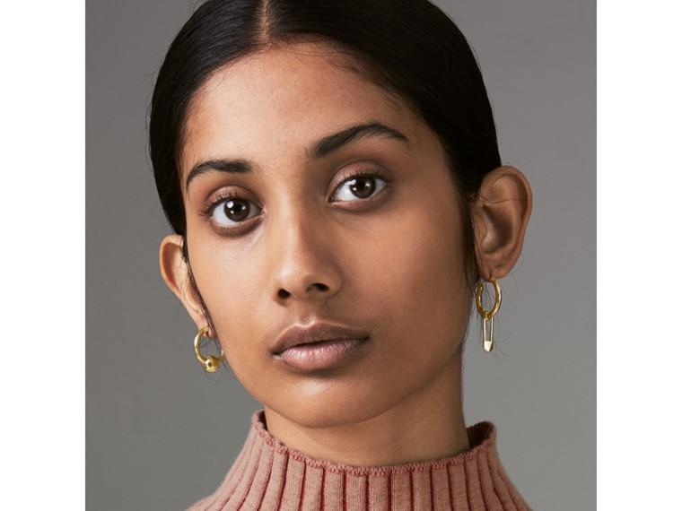 Créoles plaquées or avec charme et épingle à kilt (Clair) - Femme | Burberry Canada - cell image 2