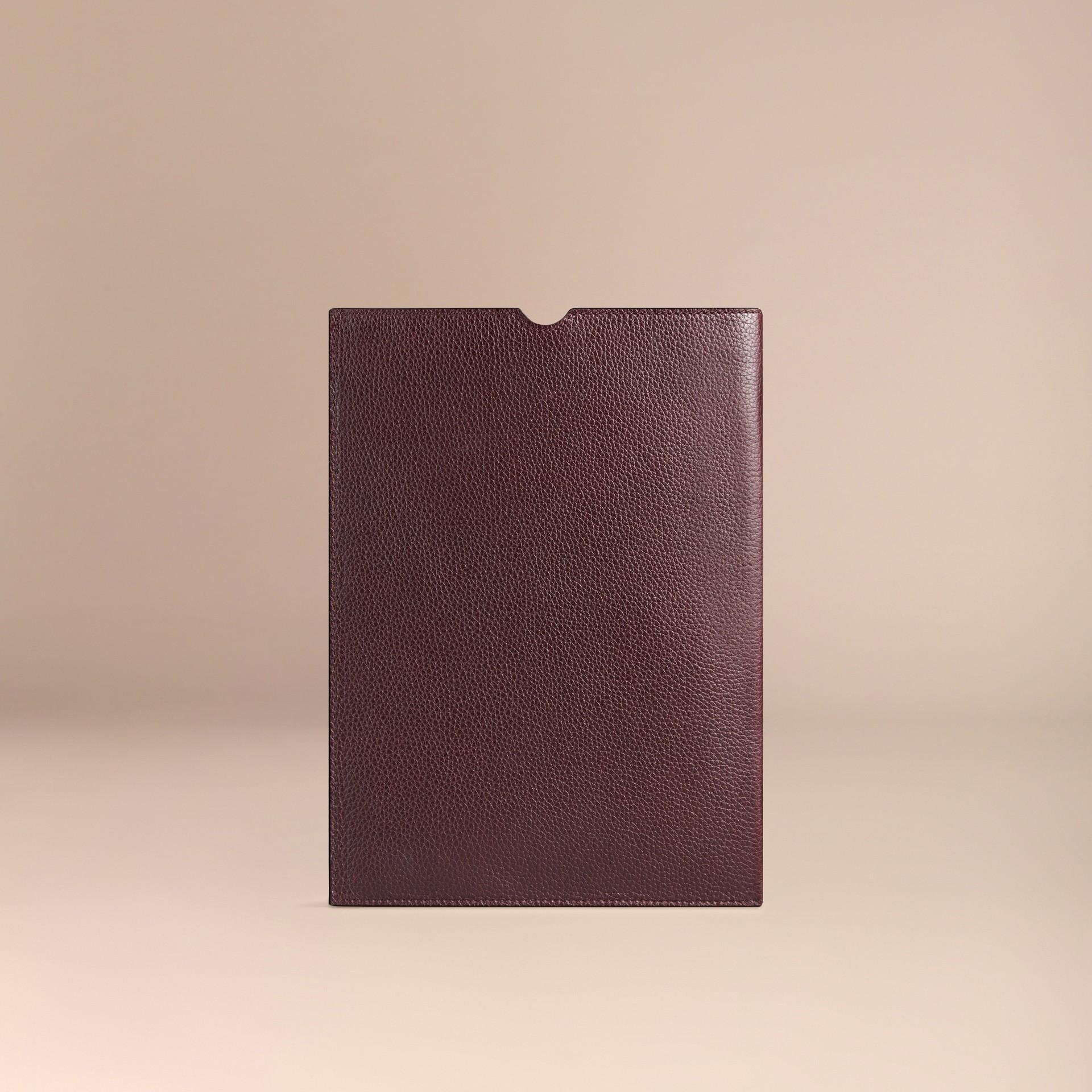Rosso ebano Custodia per iPad in pelle a grana Rosso Ebano - immagine della galleria 2