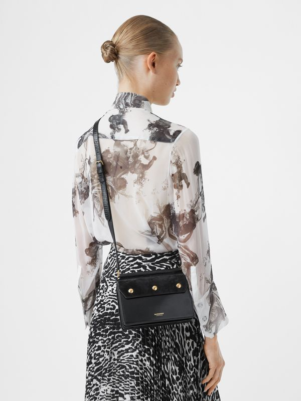 미니 포켓 디테일 스웨이드 레더 타이틀 백 (블랙) - 여성 | Burberry - cell image 2