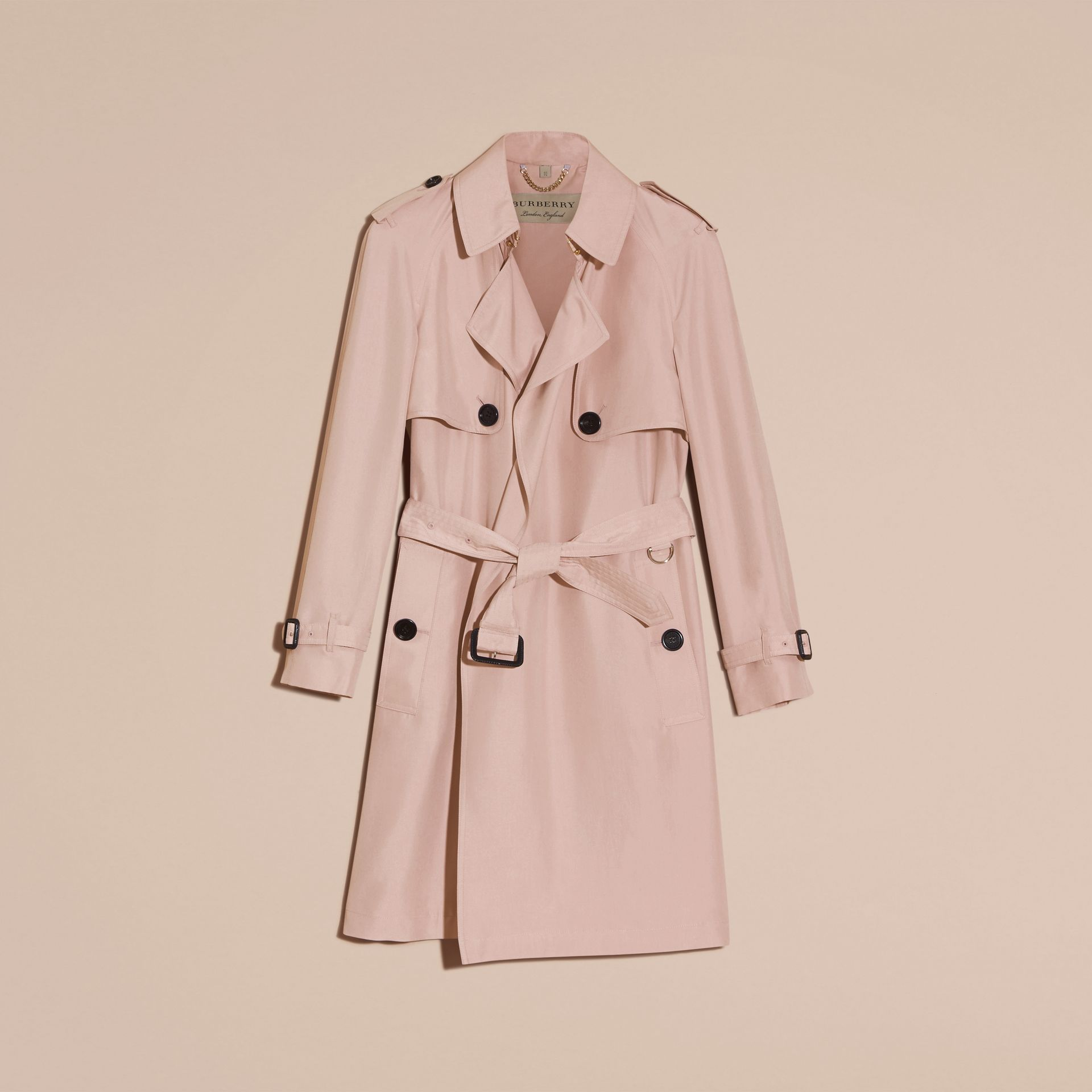 Rose craie Trench-coat portefeuille léger en soie flammée - photo de la galerie 4