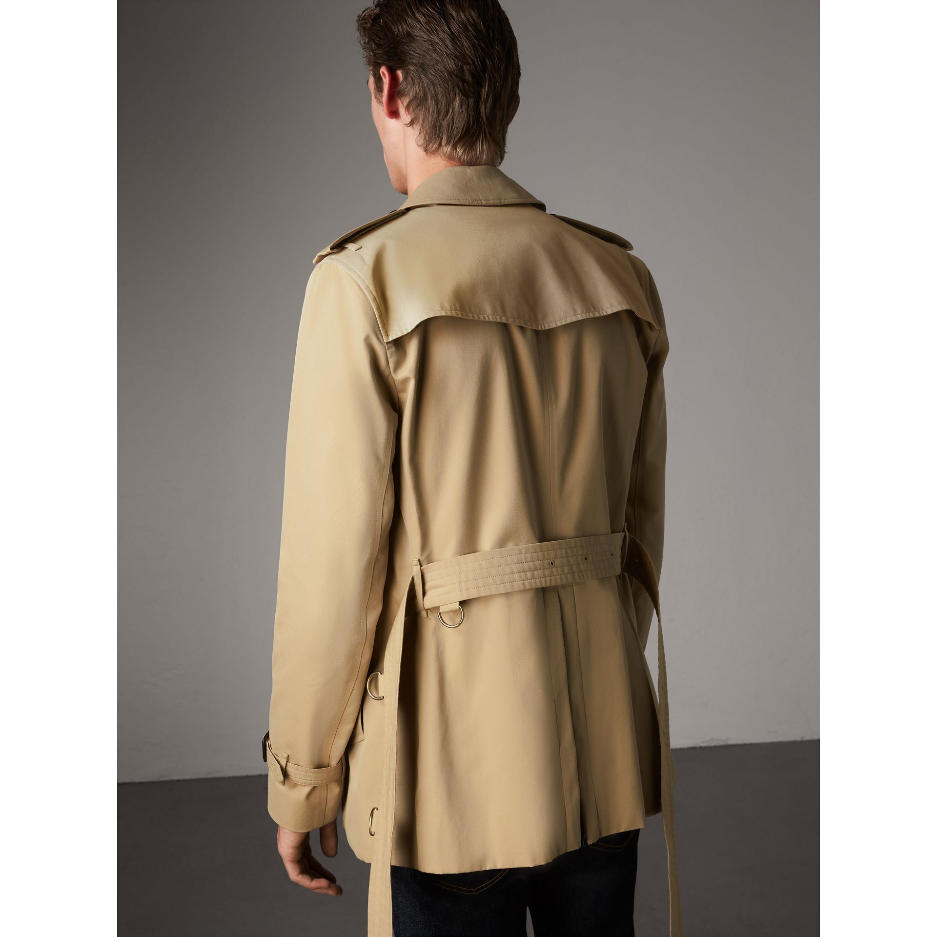 The Sandringham – Short Trench Coat in Honey - Men | Burberry - gallery image 3
