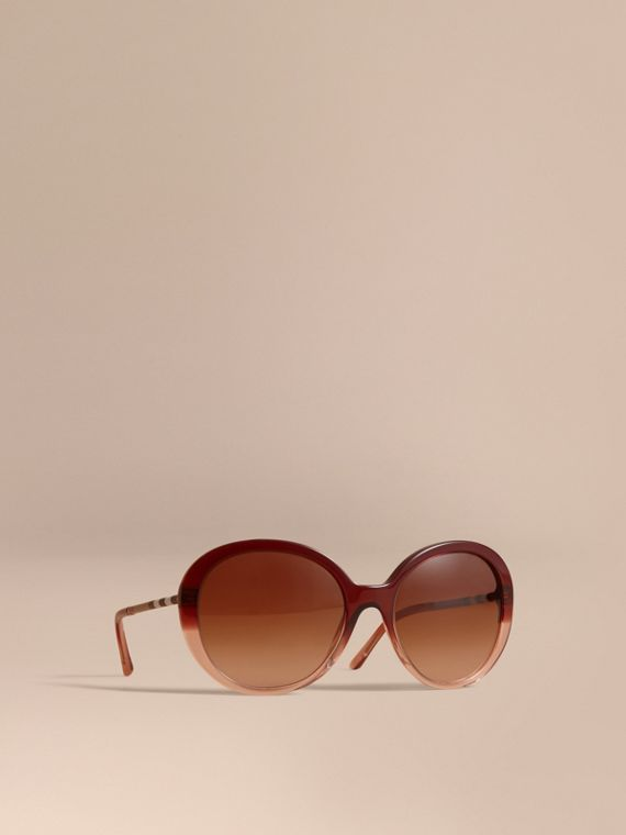 Check Detail Round Frame Sunglasses Oxblood